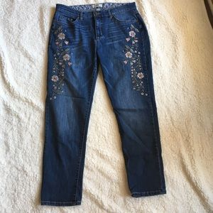 Jeans with flower detail